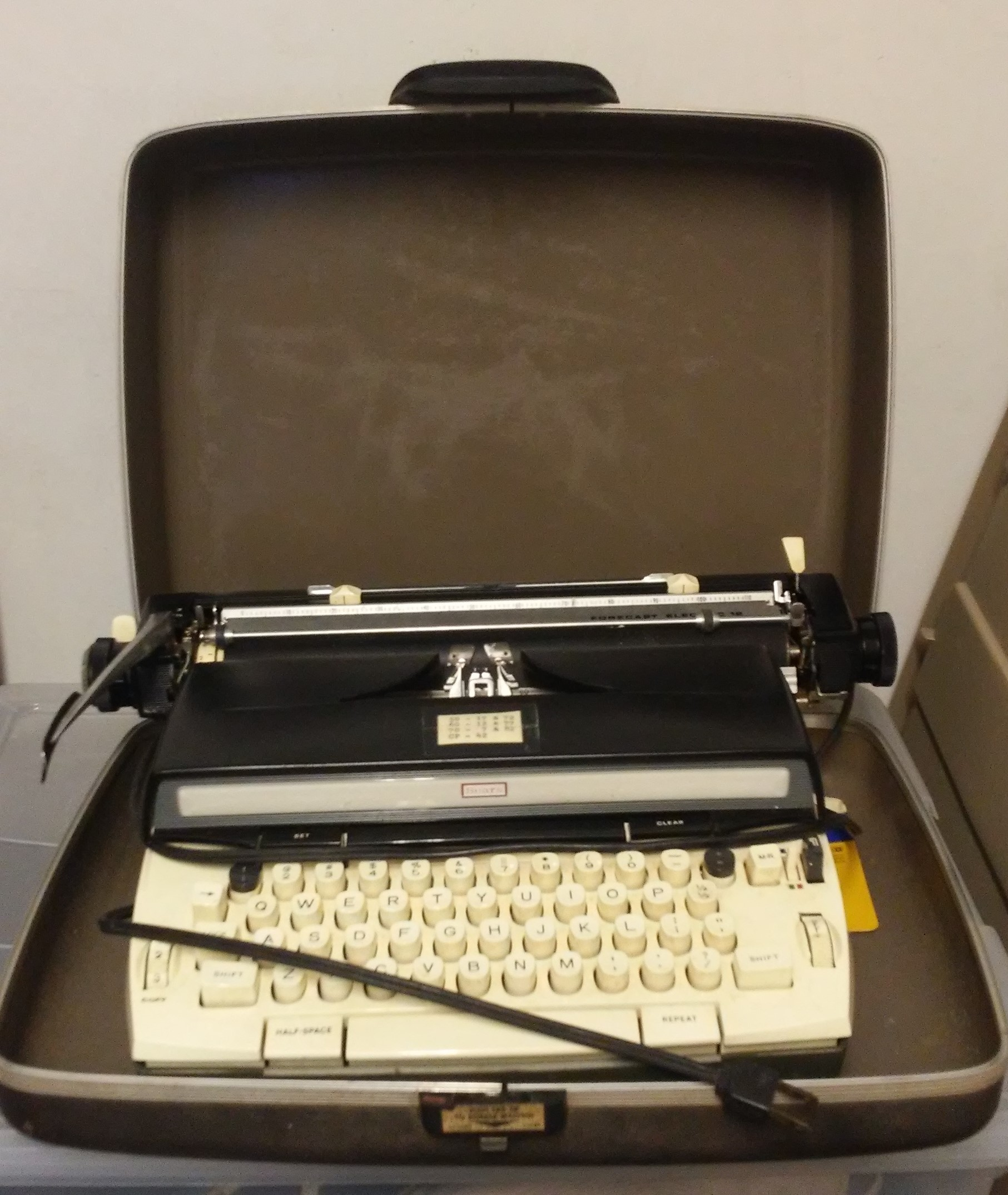 Vintage/Antique Sears Typewriter with Case For Sale - Used